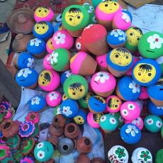 伝統的な玩具ポット