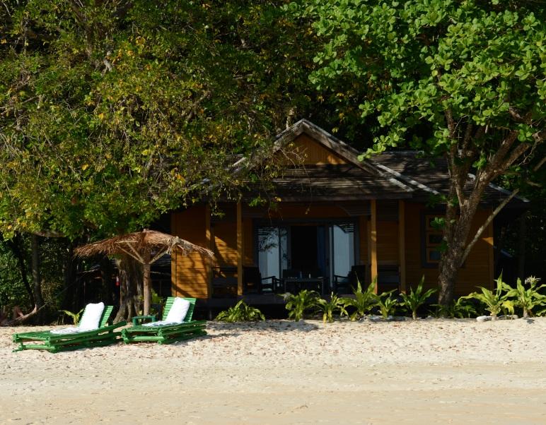 Myanmar Andaman Resort での初日の夕食13