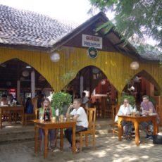 バガン Queenレストランの昼食