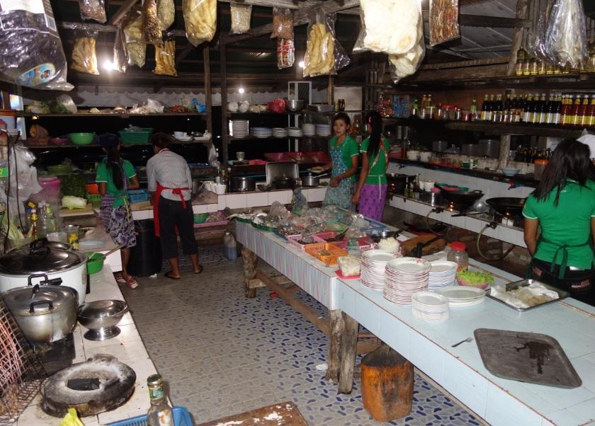 Shwe Hnin Si10
