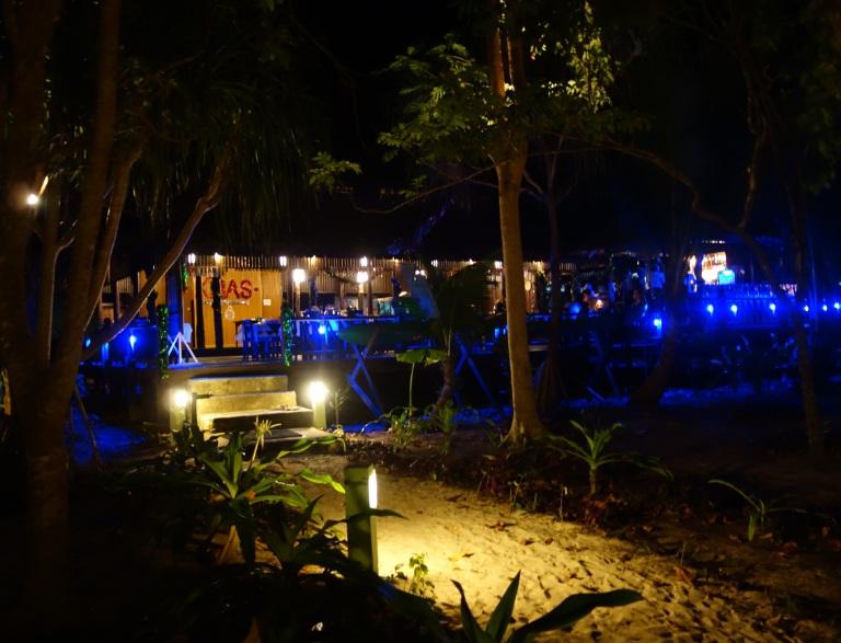 Myanmar Andaman Resort での初日の夕食19