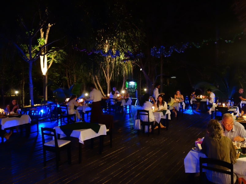 Myanmar Andaman Resort での初日の夕食27
