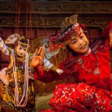 マンダレーでも操り人形ショーをご覧頂けます。