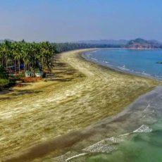 ゴヤンジ島ビーチ