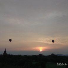 バガンでの朝日と夕日のゆっくり見える丘をご紹介させていただきます