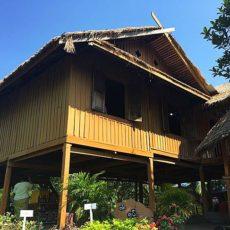 ヤンゴンの民族村