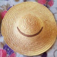 バカンの麦わら帽子