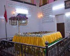 ミャンマーへ追放されたインドの王様のお墓